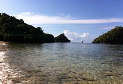 Wisata Pantai Gatra di Malang, Pesona Pantai Yang Masih Alami Di Malang