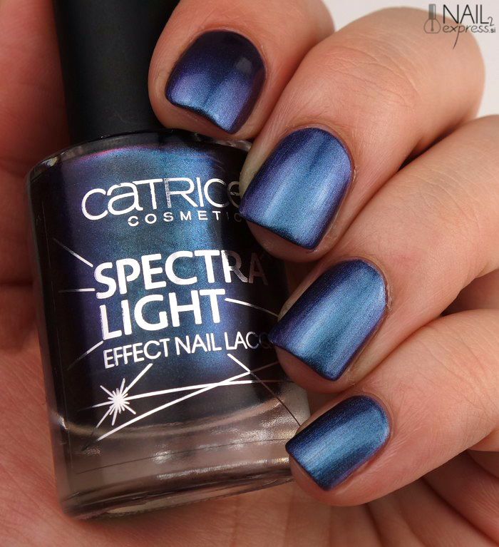 Catrice Irregular Galaxies_Spectra Light effect nail lacquer_swatch