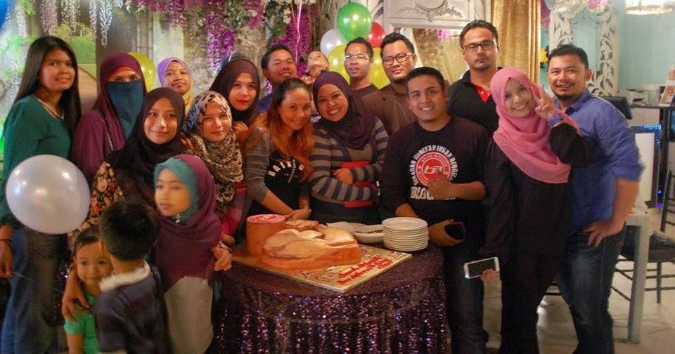 Meraihkan Birthday Ben Ashaari Di Flora Cafe Ampang Walk