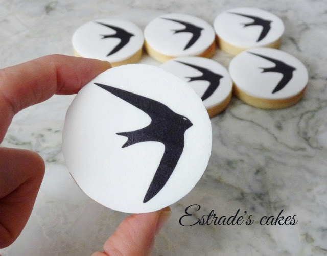 galletas de un vencejo decoradas con papel comestible 2