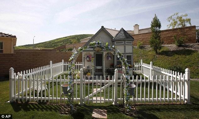 Hydrangea Hill Cottage Bodacious Barkitecture
