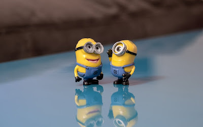 Minions in conversation