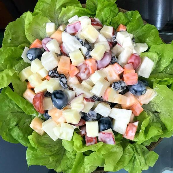 Salad hoa quả tươi bí kiếp ăn kiêng đầy đủ dưỡng chất