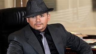 هشام عباس يتعرض لموقف مُحرج أثناء حفلة بمول مصر، بسبب البنطلون