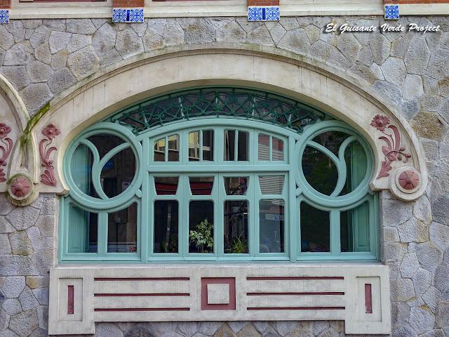 Centro Municipal Castaños (detalle) - Bilbao por El Guisante Verde Project