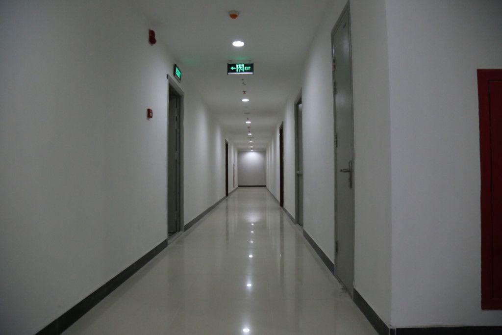 Hành lang đi vào căn hộ Goldmark City