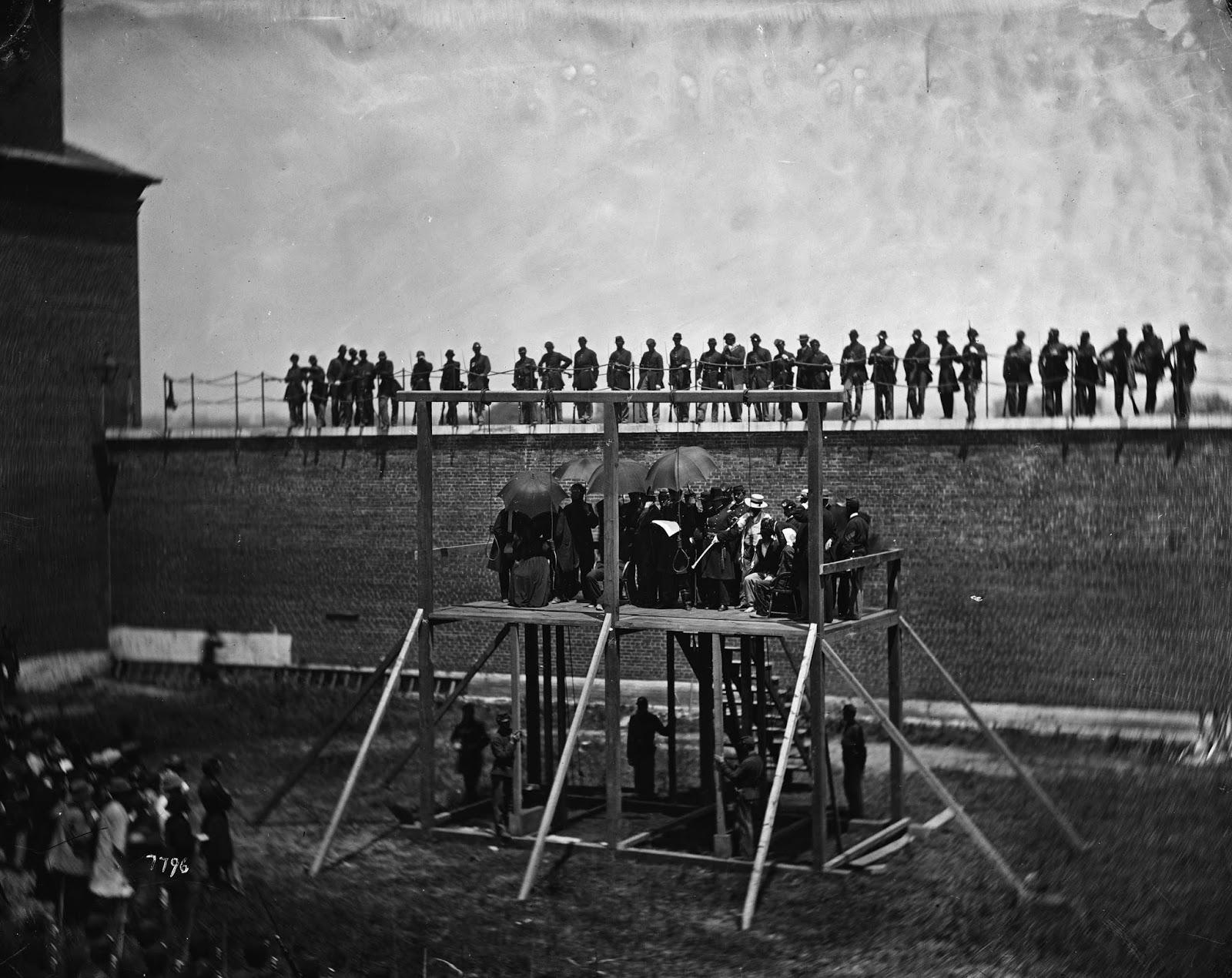 La construcción de la horca para el ahorcamiento de los conspiradores comenzó inmediatamente el 5 de julio después de que se firmó la orden de ejecución.