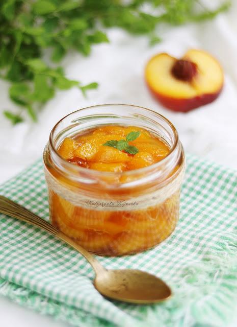 przetwory z owoców, brzoskwinia na zimę, co zrobić z brzoskwini, daylicooking