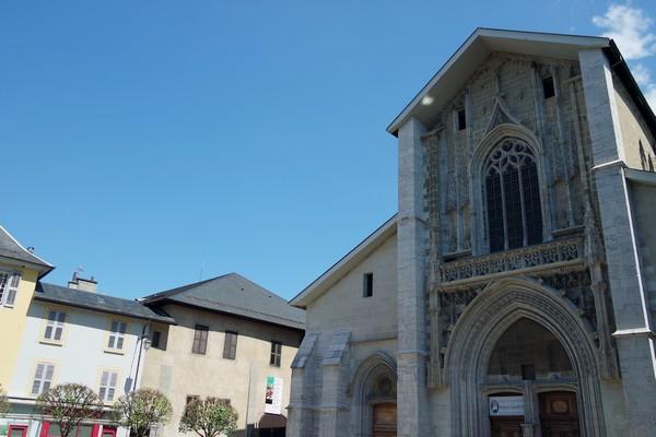 chambéry savoie vieille ville place métropole cathédrale