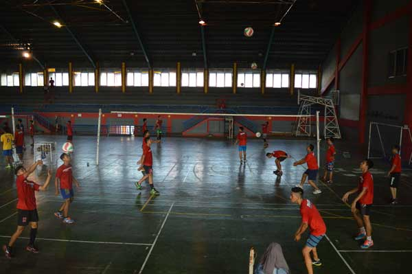 atlet bola voli kabupaten cirebon siap bertarung di bk porda