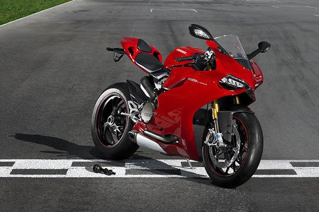 Ducati Motor - phong cách trên đường phố, thống trị trên đường đua