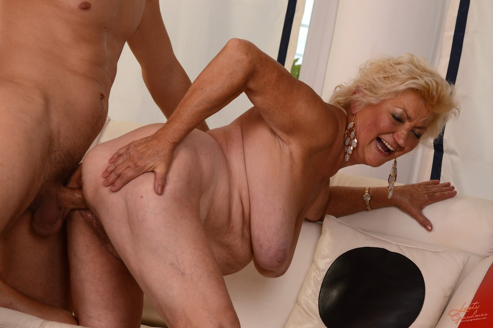 porno-video-starih-bab-s-parnyami