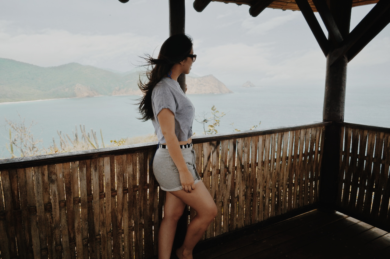 silvia-armas-life-lately-denim-casual-tumblr-girl-top-style-fashion-blogger-ecuador-travel-puerto-lopez-playa-galapagos-couple-love-cuenca-beach-andes-all-you-need-is-landscape-viaje-whale-ballena