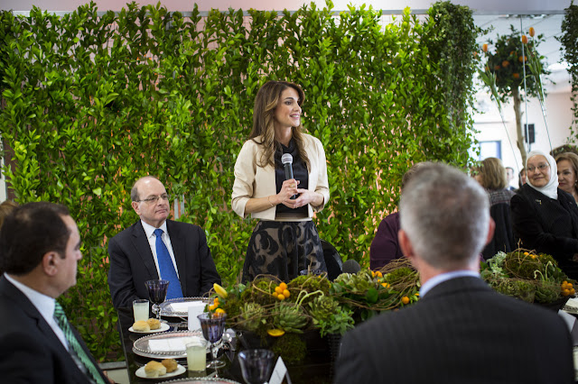Queen Rania of Jordan attended the dinner in honor of the Jordan River Foundation (JRF) on its 20th anniversary.