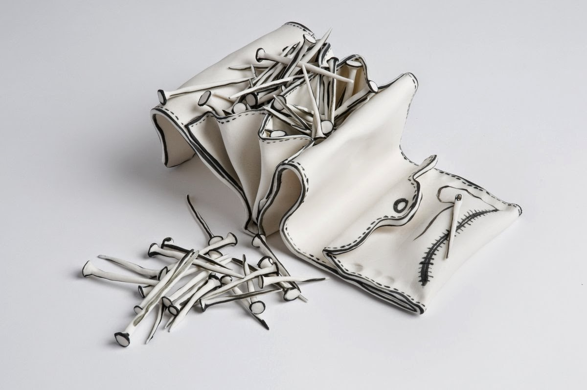 22-Purse-of-Nails-Katharine-Morling-Porcelain-Sculptures-www-designstack-co