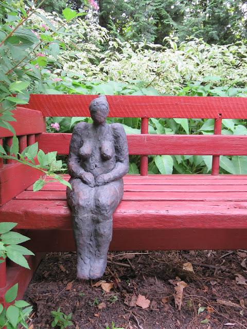 En av flere kunstneriske innslag i Lotties Trädgård. Trädgårdsrundorna i Helsingborg.