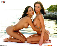 Crissy Moran And Mindy Vega Playing Lesbian At The Beach