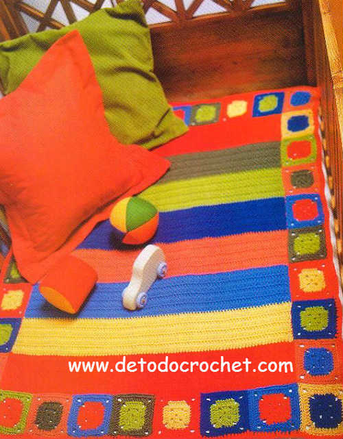 manta de cuna multicolor tejida en ganchillo