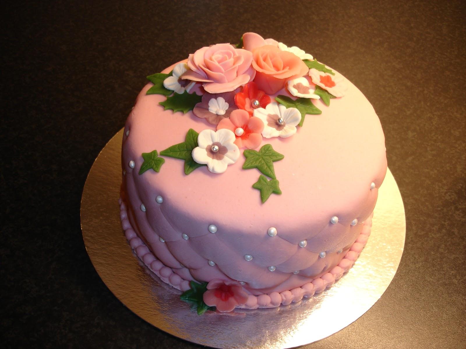 grattis på födelsedagen tårta Maries Tårtor: Grattis Carina på födelsedagen grattis på födelsedagen tårta