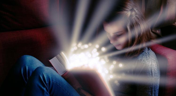 Kız, Kitap