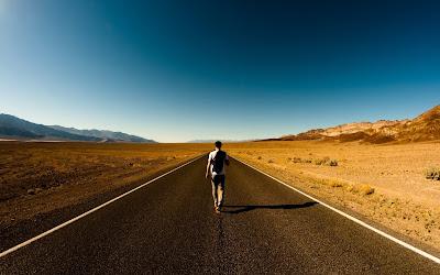 Yol, Yalnızlık, Uzun yol, Yolun başı, Yolun başındayım, yalnız yürüyen adam, yalnız başına yürüyen insan