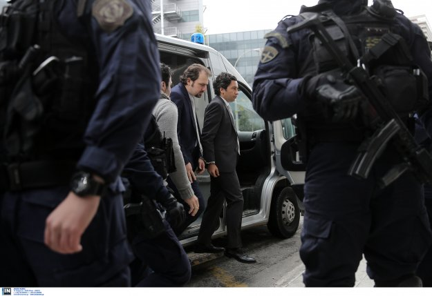 Anadolu: Η Τουρκία προσφεύγει στην Interpol για την έκδοση των «8»