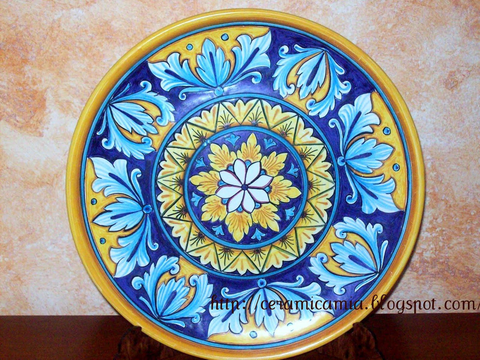 Ceramica che passione decorazione di un piatto in ceramica for Decorazione wallpaper