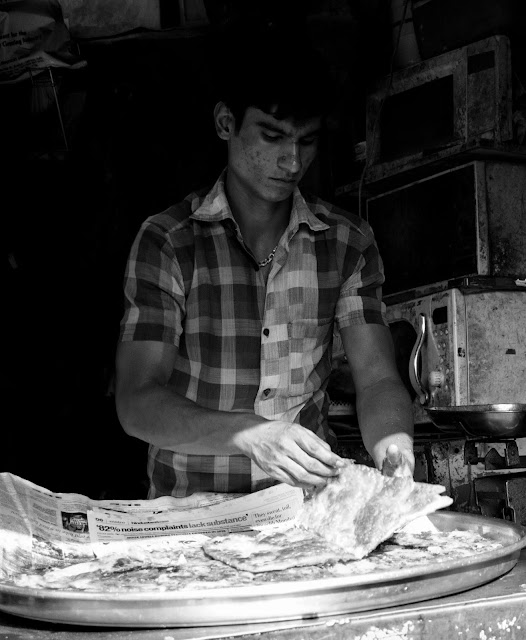 monochrome monday, black and white weekend, black and white, paratha, indian bread, seller, mohammed ali road, street cafe, mumbai, india