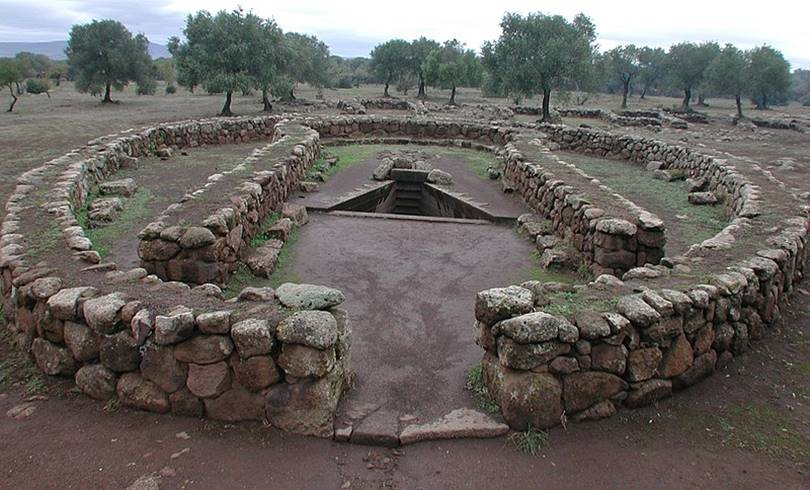 The Santa Cristina well is also an ancient observatory. In addition to Santa Cristina, two more wells deserve special mention