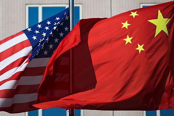 الولايات المتحدة الامريكية تقيد انشطة الصين الخاصة بالتسليح