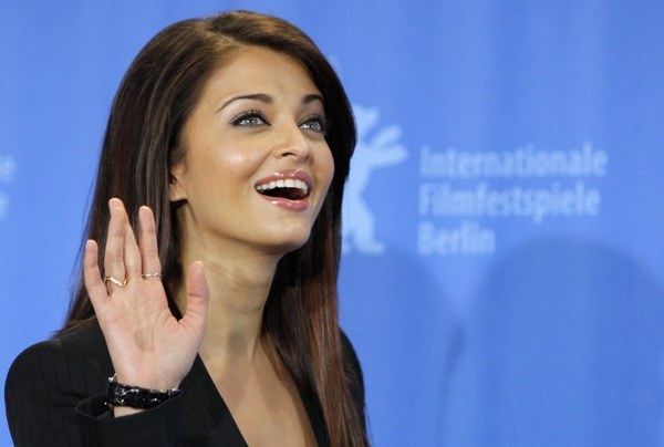 Latest Aishwarya rai Smiling look 2016