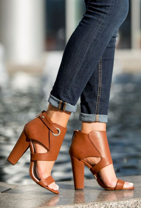 BLOCK HEEL SHOE TREND