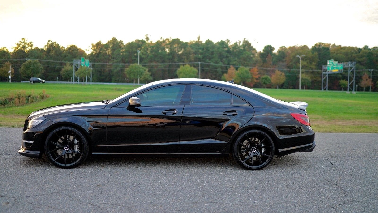 2012 mercedes benz w218 cls63 amg on r22 black wheels. Black Bedroom Furniture Sets. Home Design Ideas