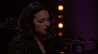Norah Jones Performs 'Don't Be Denied' On Late Late Show