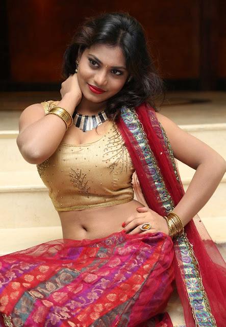 Priyanka Augustin navel show