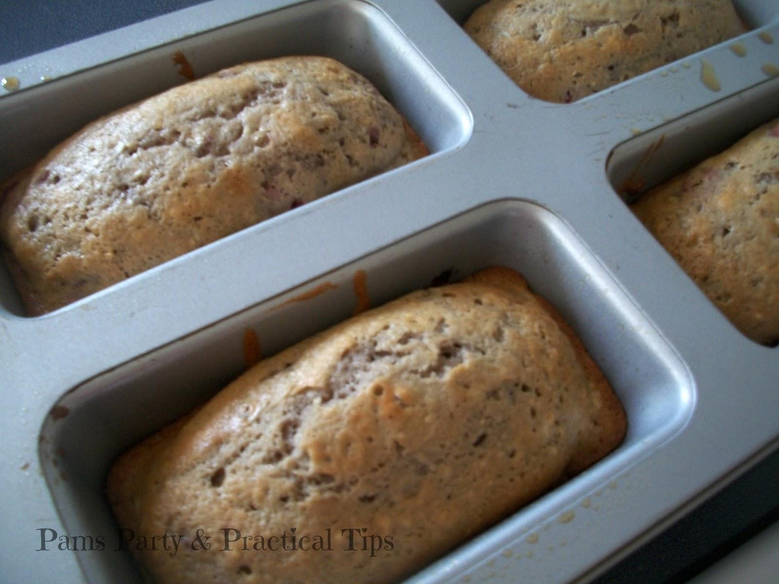 berry bread, mini strawberry bread, mini loaf pan