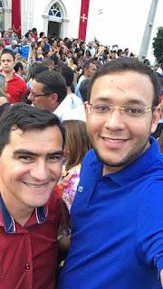 Prefeito e vice-prefeito de Picuí participam da procissão de São Sebastião