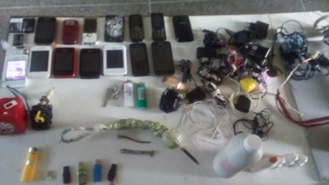 Vistoria na cadeia pública de Ubajara resulta na apreensão de mais de 13 celulares