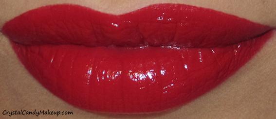 Charlotte Tilbury K.I.S.S.I.N.G Mini Lipstick Charm So Marilyn Swatch