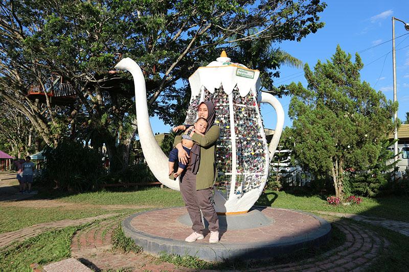 Sabah Tea teko