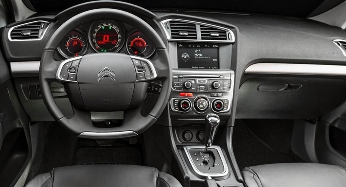 Sobre o novo Citroen C4 Lounge Citroen-c4-lounge-tendance-thp-interior