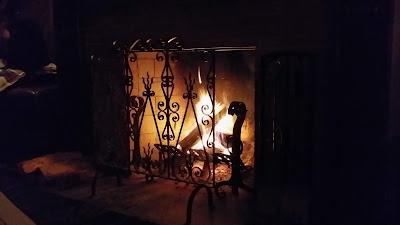 light-wood-night-warm-house-interior-1329739-pxhere.com.jpg