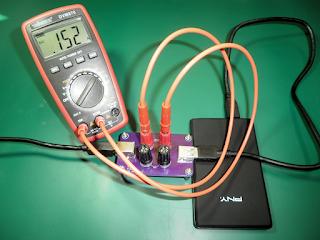 Placa PTUSB2 a ser empregue para medir o consumo de um disco externo.