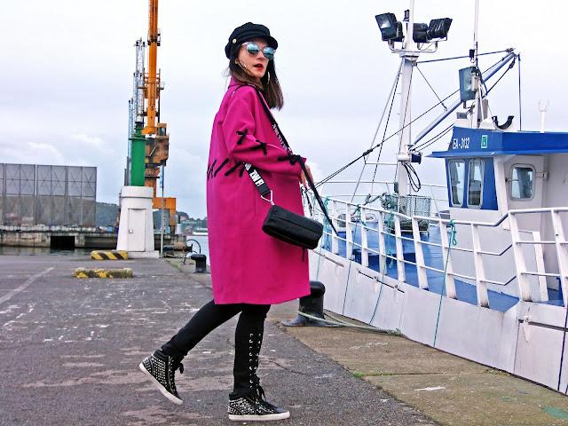 fashion, moda, look, outfit, blog, blogger, walking, penny, lane, streetstyle, style, estilo, trendy, rock, boho, chic, cool, casual, ropa, cloth, garment, inspiration, fashionblogger, art, photo, photograph, Avilés, oviedo, gijón, asturias, abrigo, coat, zapatillas, sneakers, tulle, tul,