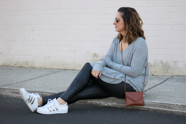 how to wear athleisure, mom style, north carolina blogger, happiness boutique