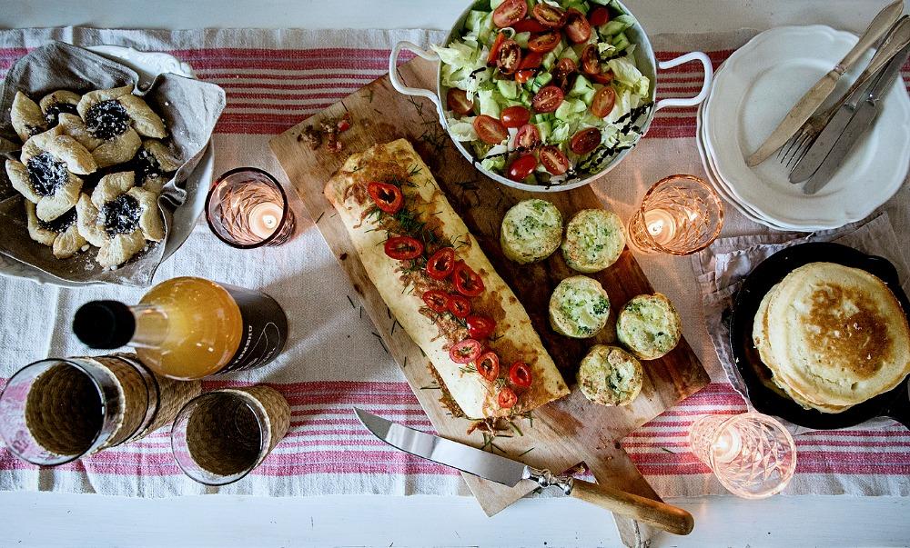 Brunssi, joulukuu, aamiainen, ruoka, munakasrulla, salaatti, resepti