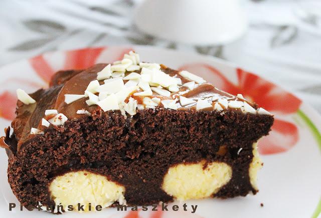 ciasto czekoladowe z kulkami serowymi