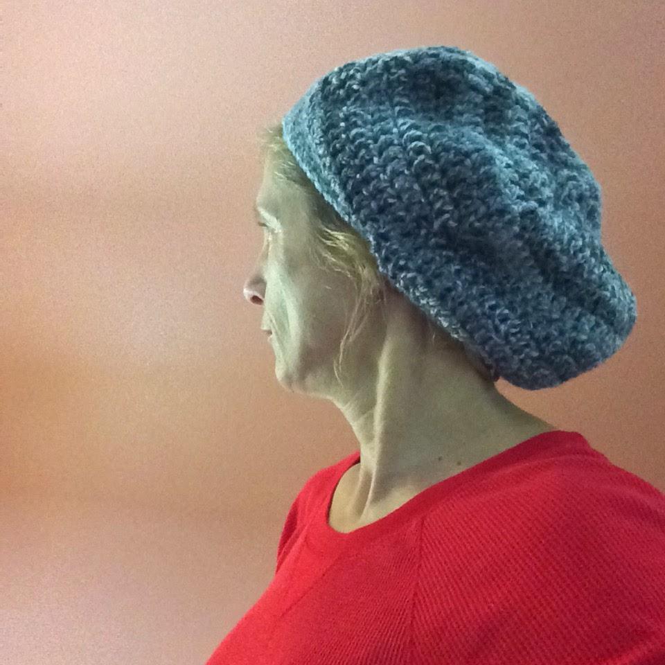 c6122bbc1f6 Adult Slouchy Beret   Beanie Hat - Free Crochet Pattern