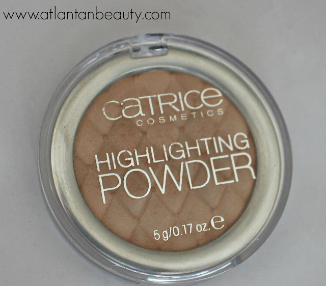 Catrice Highlighting Powder in Champagne Campaign