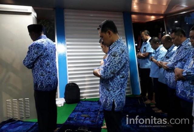 Alhamdulillah.. Atas Usul Gubernur Anies, Halte Transjakarta Kini Dilengkapi Mushola